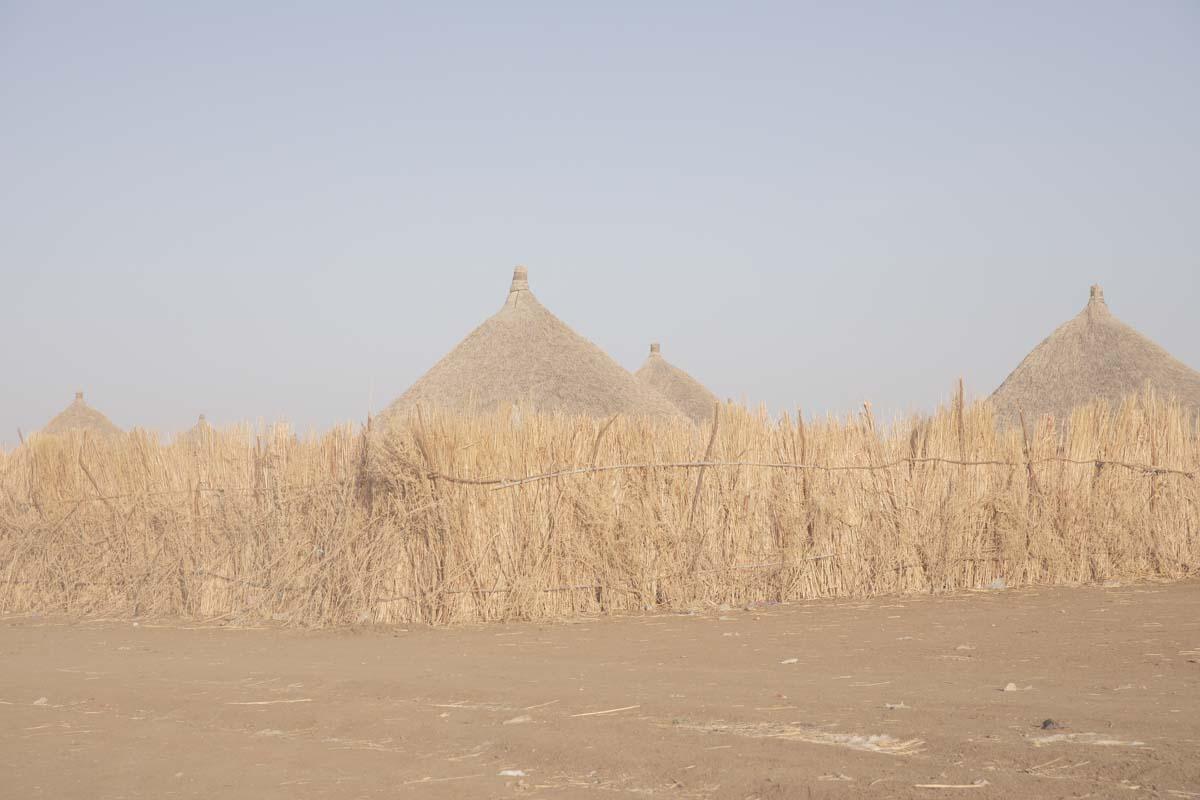 Hütten im Flüchtlingslager Al Shagarab nahe der eritreischen Grenze.